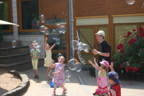 Kinderfest; Kita; Seifenblasen