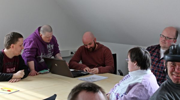 Schreibwerkstatt Lebenshilfe Workshop kreativ Angebot Down-Syndrom
